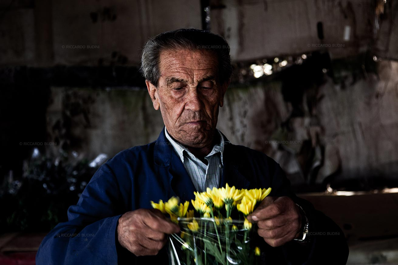 As a floriculturist Emilio's father has a long experience